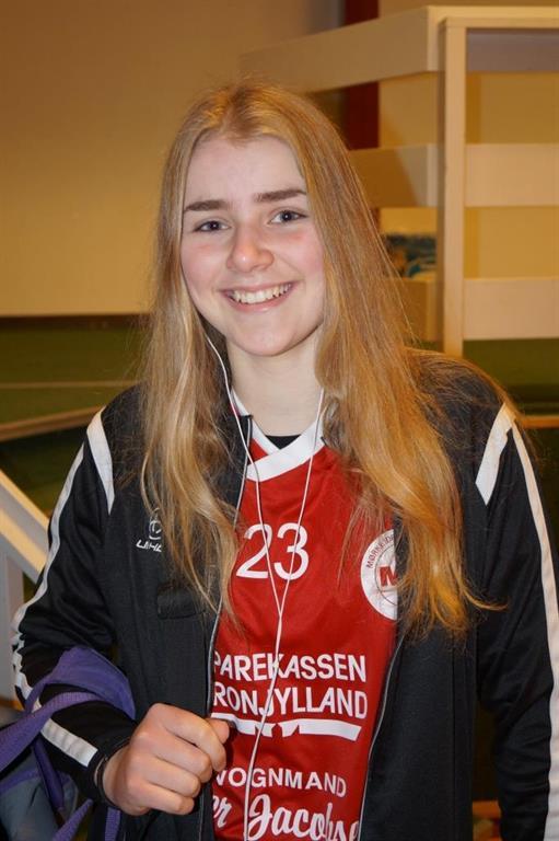 319d2236708 Begge piger har tidligere deltaget i talentturneringen i Sverige for Mørke. I  år var Lærke ovenikøbet udpeget til at være anfører for sit hold, ...